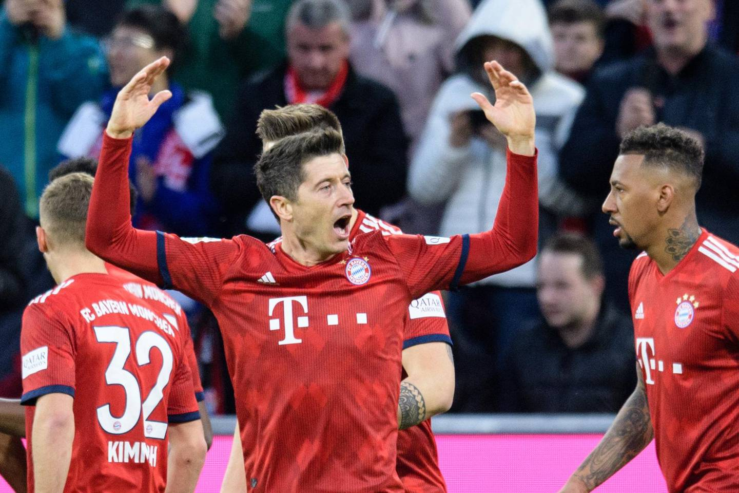 Bayern Munich's Polish striker Robert Lewandowski  celebrates after scoring during the German first division Bundesliga football match FC Bayern Munich v FSV Mainz 05 in Munich, southern Germany on March 17, 2019. Germany OUT / DFL REGULATIONS PROHIBIT ANY USE OF PHOTOGRAPHS AS IMAGE SEQUENCES AND/OR QUASI-VIDEO  / AFP / dpa / Matthias Balk / DFL REGULATIONS PROHIBIT ANY USE OF PHOTOGRAPHS AS IMAGE SEQUENCES AND/OR QUASI-VIDEO