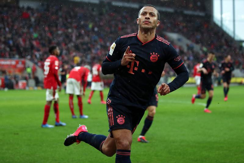 MAINZ, GERMANY - FEBRUARY 01: Thiago Alcantara of Muenchen celebrates his team's third goal during the Bundesliga match between 1. FSV Mainz 05 and FC Bayern Muenchen at Opel Arena on February 01, 2020 in Mainz, Germany. (Photo by Alex Grimm/Bongarts/Getty Images)