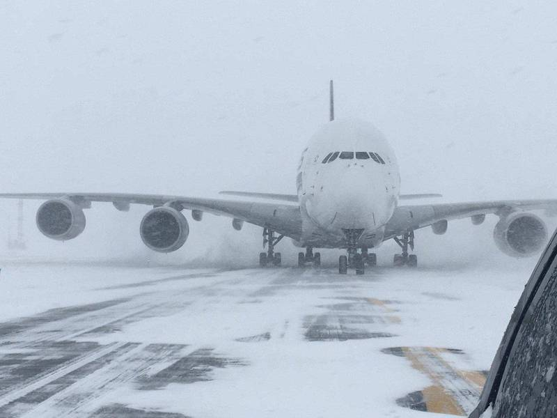 A Singapore Airlines Airbus A380, diverted from John F. Kennedy Airport during a winter storm, is shown on the runway after landing at Stewart International Airport in Newburgh, New York, U.S., January 4, 2018.   Courtesy of Stewart Airport/Handout via REUTERS  ATTENTION EDITORS - THIS IMAGE WAS PROVIDED BY A THIRD PARTY