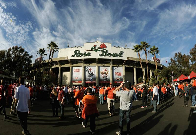 PASADENA, CA - JANUARY 06: A general view of the stadium prior to the 2014 Vizio BCS National Championship Game between the Auburn Tigers and the Florida State Seminoles at the Rose Bowl on January 6, 2014 in Pasadena, California.   Harry How/Getty Images/AFP