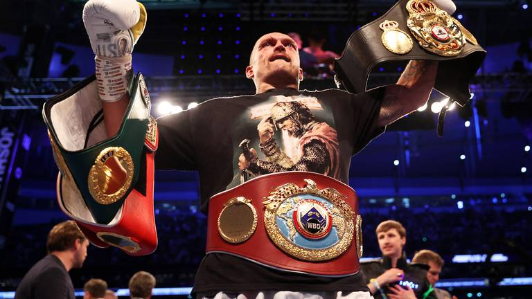 An image that illustrates this article Joshua 'devastated' after losing heavyweight titles to Usyk