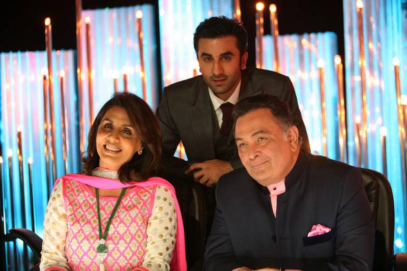 MUMBAI, INDIA  SEPTEMBER 3: Bollywood actor Rishi Kapoor with his wife Neetu Kapoor and son Ranbir Kapoor on dance reality show Jhalak Dikhhla Jaa for the promotion of there upcoming movie Beshram on September 3, 2013 in Mumbai.(Photo by Milind Shelte/India Today Group/Getty Images) *** Local Caption *** Rishi Kapoor;Neetu Kapoor;Ranbir Kapoor al27oc-bolly-kapoors01.jpg