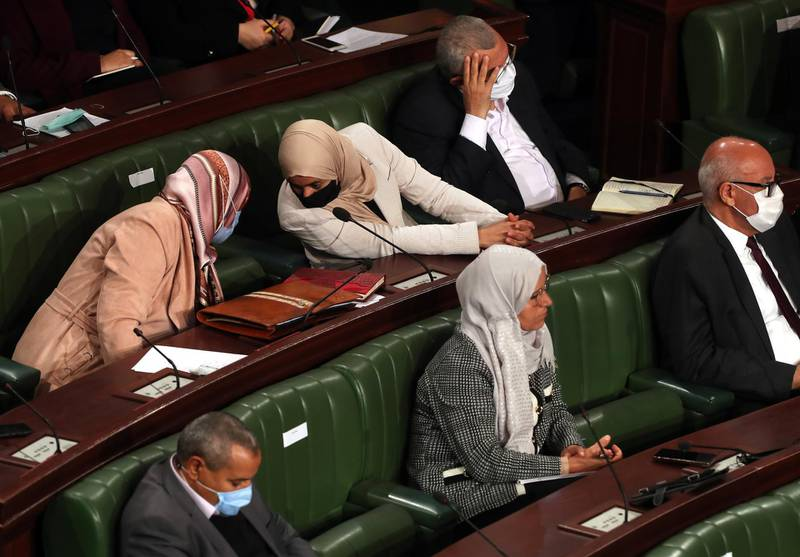 epa08848436 Parliamentary deputies attend a parliamentary plenary session to vote on the finance law for the 2021 financial year at the Assembly of the People's Representatives (ARP) in Tunis, Tunisia, 28 November 2020. Mechichi declared during his speech that the Coronavirus pandemic is not the only crisis Tunisia is facing. There is also a fairly difficult socio-economic crisis. There are no problems without solutions, and part of these solutions are presented in the budget bill for 2021.  EPA/MOHAMED MESSARA