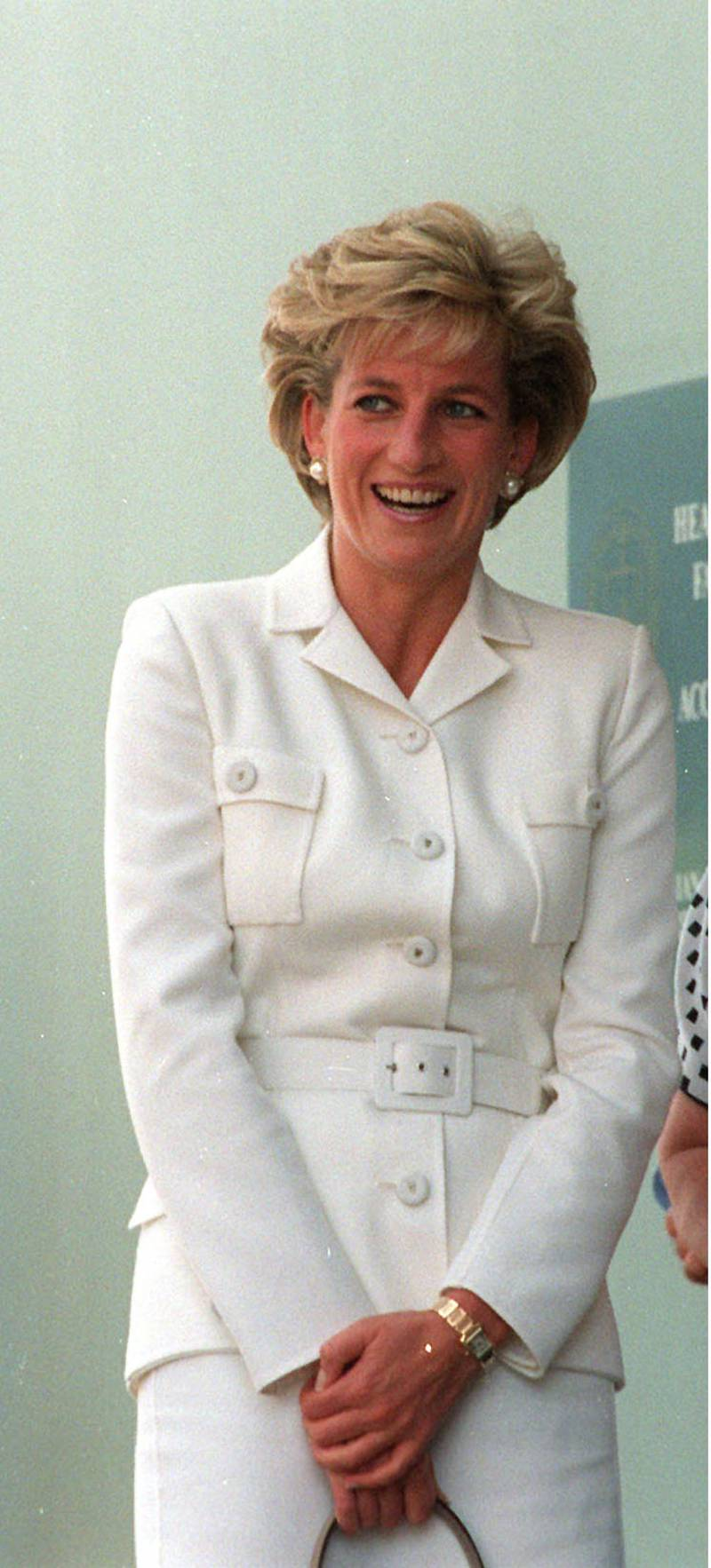 NOV 1996 - DIANA, PRINCESS OF WALES ARRIVING AT THE SACRED HEART HOSPICE IN SYDNEY. (Photo by Patrick Riviere/Getty Images)