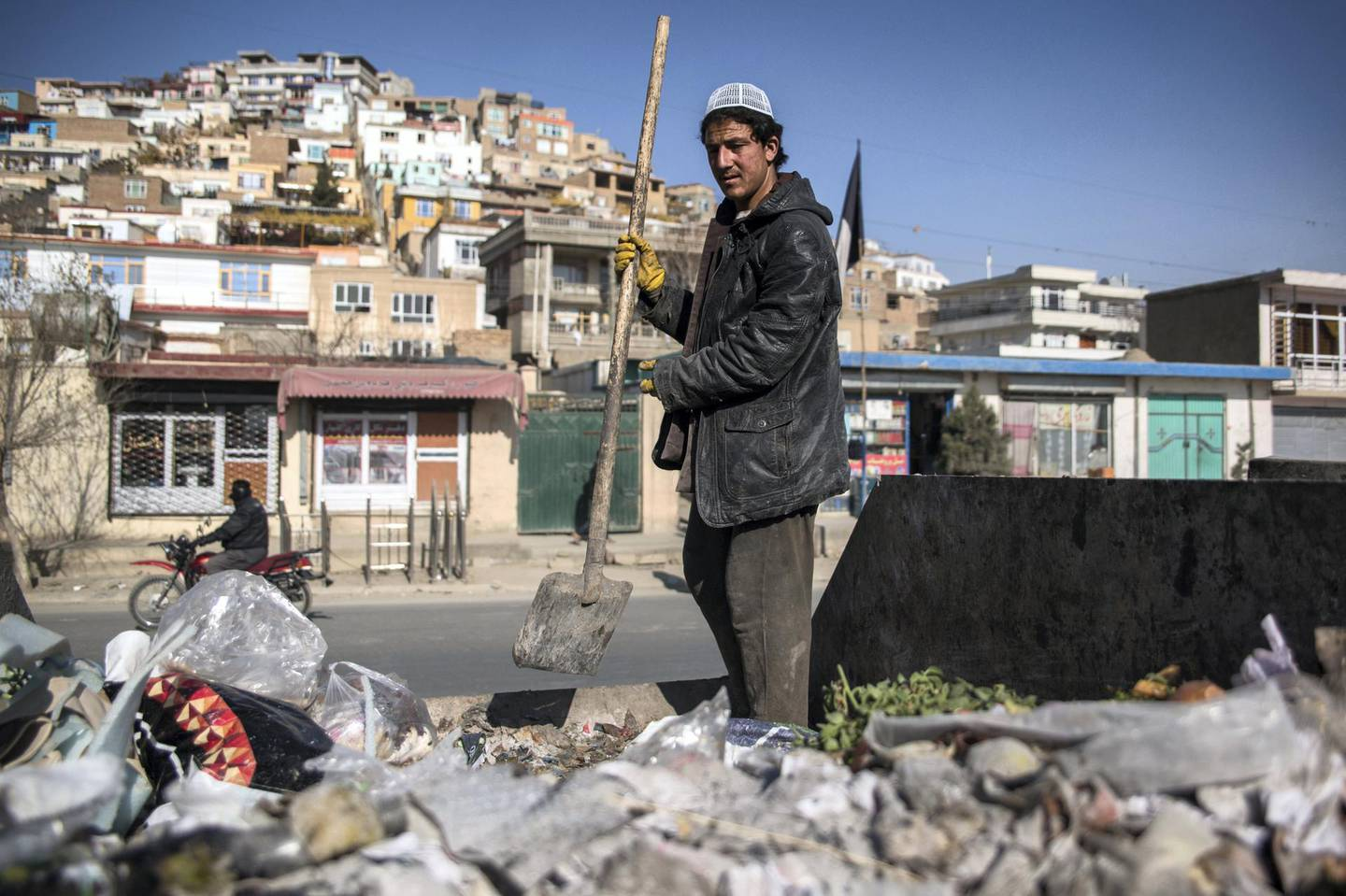 Trash is a serious problem in Kabul, with the city's municipality saying that between 2,500-2,800 metric tonnes of garbage are produced every day.