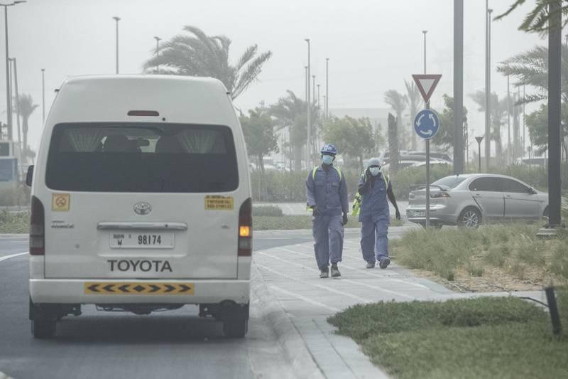 DUBAI, UNITED ARAB EMIRATES. 21 JULY 2020. STANDALONE. Sandstorm weather in Dubai. (Photo: Antonie Robertson/The National) Journalist: None. Section: National.