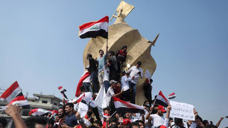 An image that illustrates this article Violence in Iraq 'will continue unless there is systemic reform', experts say