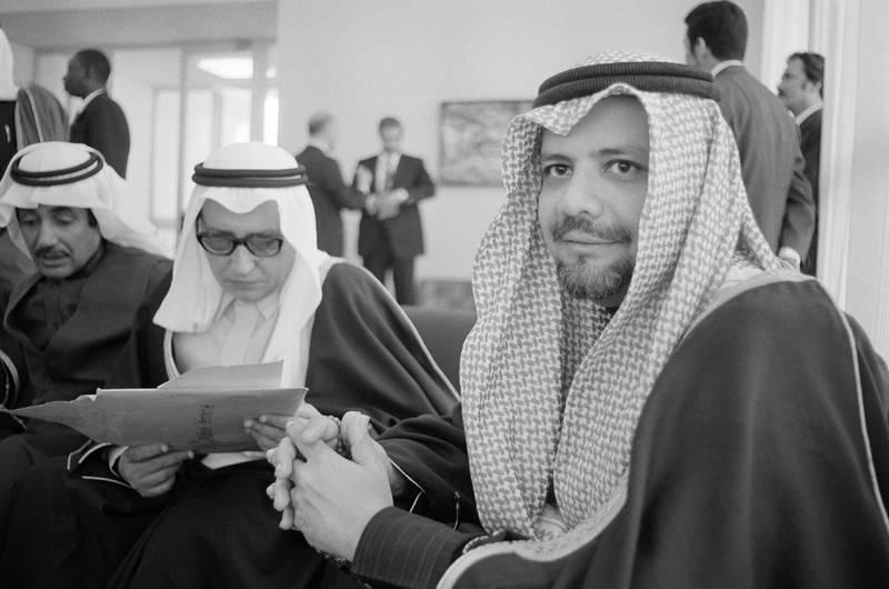 Le ministre du pétrole saoudien Sheikh Ahmed Zaki Yamani lors du sommet de l'OPEP à Alger en mars 1975, Algérie. (Photo by Gilbert UZAN/Gamma-Rapho via Getty Images)