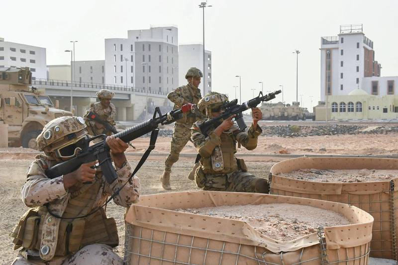 AL DHAFRA REGION, ABU DHABI, UNITED ARAB EMIRATES - June 26, 2019: Members of the UAE Armed Forces and the Jordanian Armed Forces participate in the joint military drill, Titled 'Bonds of Strength', at Al Hamra Camp.  (Handout) ---