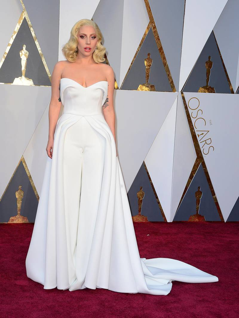 epa05186364 Lady Gaga arrives for the 88th annual Academy Awards ceremony at the Dolby Theatre in Hollywood, California, USA, 28 February 2016. The Oscars are presented for outstanding individual or collective efforts in 24 categories in filmmaking.  EPA/MIKE NELSON