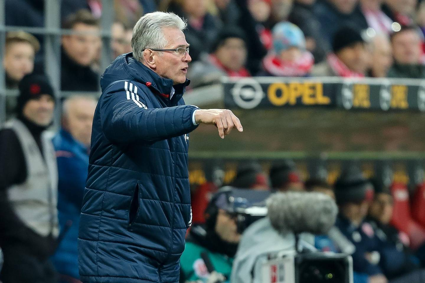 MAINZ, GERMANY - FEBRUARY 03: Head coach Jupp Heynckes of Muenchen gestures during the Bundesliga match between 1. FSV Mainz 05 and FC Bayern Muenchen at Opel Arena on February 3, 2018 in Mainz, Germany. (Photo by TF-Images/TF-Images via Getty Images)