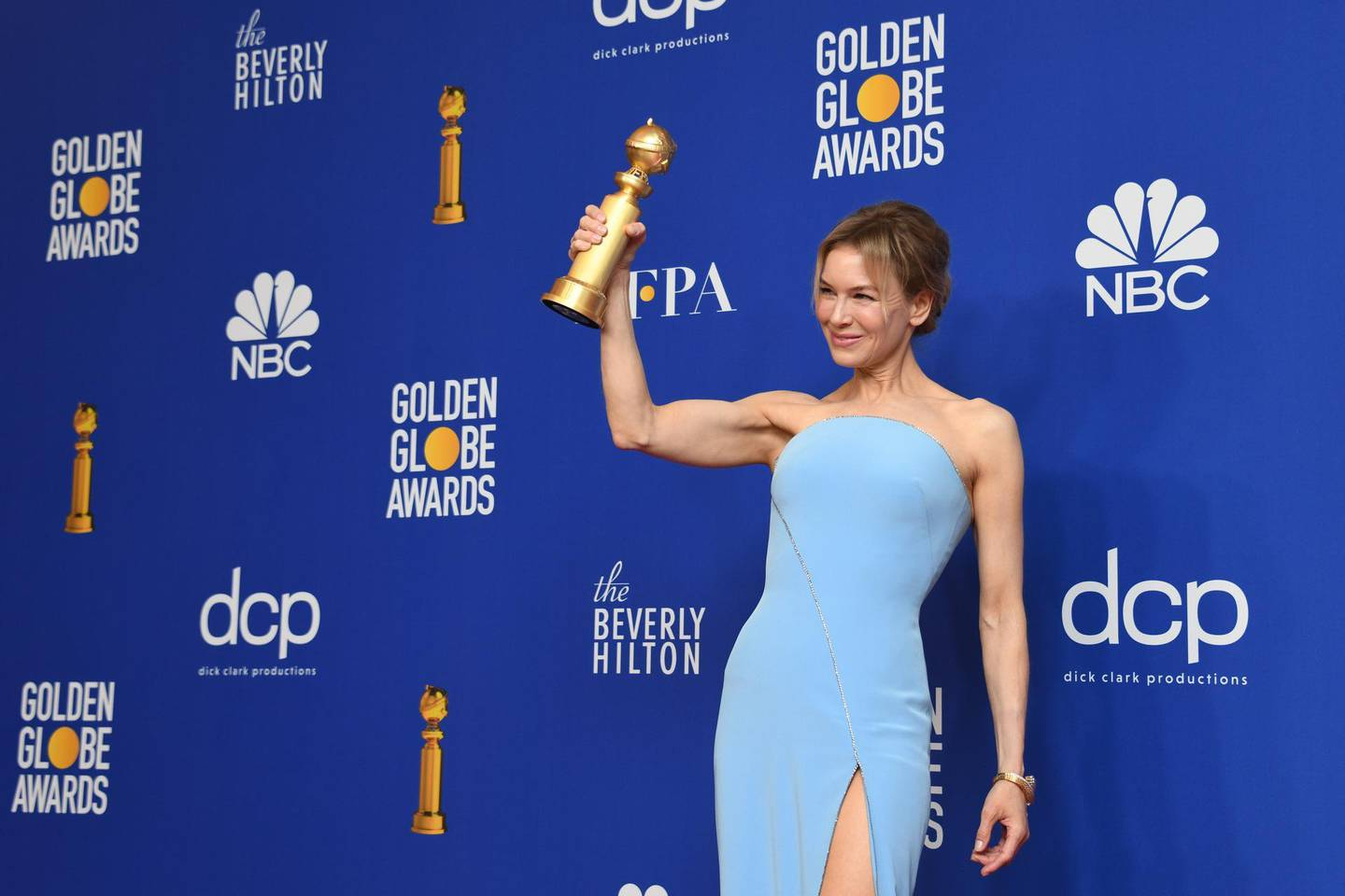 epa08106532 Renee Zellweger holds the award for Best Performance by an Actress in a Motion Picture - Drama for 'Judy' in the press room during the 77th annual Golden Globe Awards ceremony at the Beverly Hilton Hotel, in Beverly Hills, California, USA, 05 January 2020.  EPA/CHRISTIAN MONTERROSA