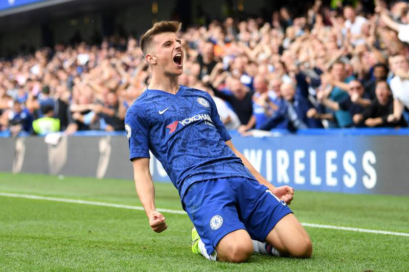 ***BESTPIX*** LONDON, ENGLAND - AUGUST 18: Mason Mount of Chelsea celebrates after scoring his team's first goal during the Premier League match between Chelsea FC and Leicester City at Stamford Bridge on August 18, 2019 in London, United Kingdom. (Photo by Michael Regan/Getty Images)