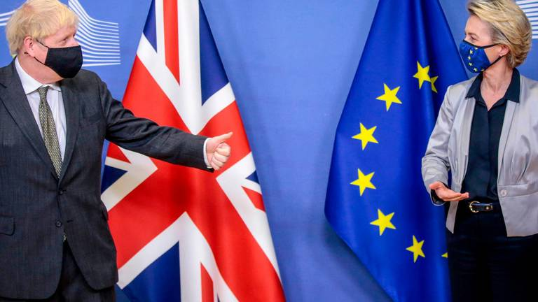 An image that illustrates this article Brexit trade talks trap Boris Johnson in no-deal final moment