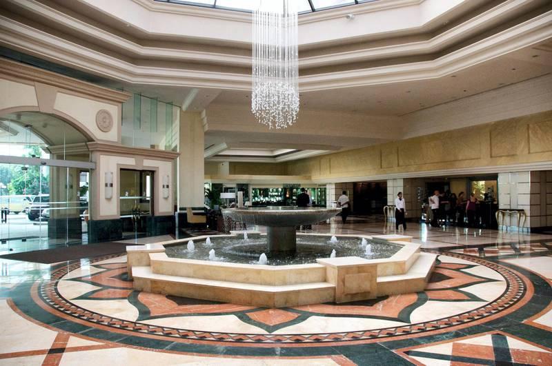 C52WJ9 Foyer of Cinnamon Grand Hotel Colombo Sri Lanka