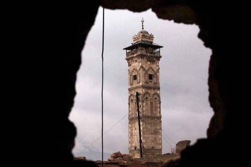 A view of the minaret of the Great Mosque in old Aleppo, January 29, 2013. REUTERS/Zain Karam    (SYRIA - Tags: POLITICS CIVIL UNREST) - GM1E91U0D1K01