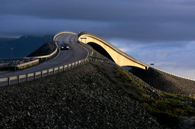 NORWAY - 1995/01/01: Norway, Near Molde, Atlantic Ocean Road, Bridge. (Photo by Wolfgang Kaehler/LightRocket via Getty Images)