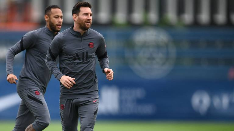 An image that illustrates this article Messi overcomes knee concerns as PSG star trains for Man City clash