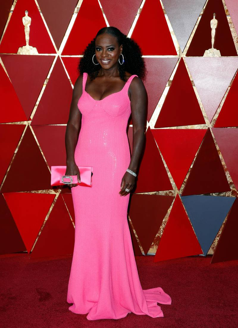 epa06581535 Viola Davis arrives for the 90th annual Academy Awards ceremony at the Dolby Theatre in Hollywood, California, USA, 04 March 2018. The Oscars are presented for outstanding individual or collective efforts in 24 categories in filmmaking.  EPA-EFE/PAUL BUCK