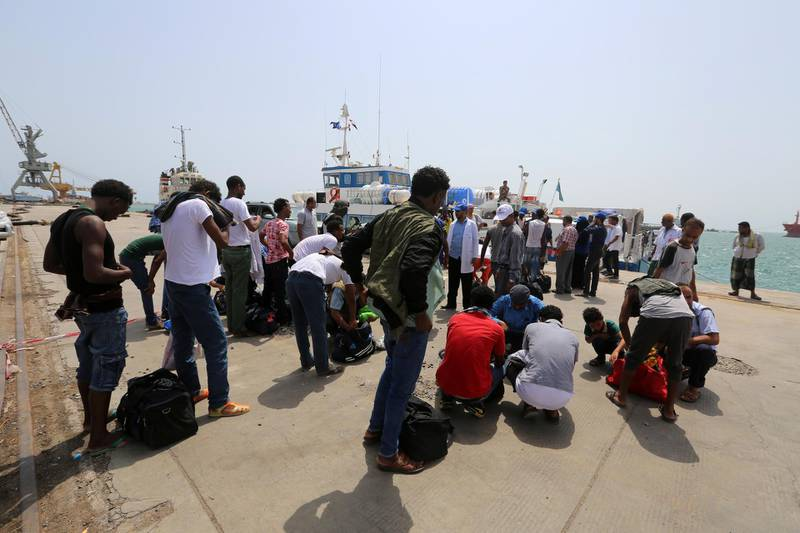 Ethiopian migrants are being evacuated to the Red Sea port of Hodeida to board a ship to leave Yemen June 2, 2018. REUTERS/Abduljabbar Zeyad
