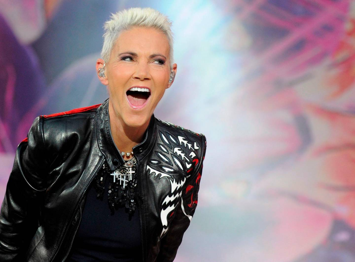 Picture taken on June 12, 2011 shows singer Marie Fredriksson of Swedish band Roxette performing during a concert in Oberursel near Frankfurt am Main, western Germany. As her management announced on December 10, 2019, Fredriksson died on December 9, 2019 at the age of 61. - Germany OUT  / AFP / dpa / Boris Roessler