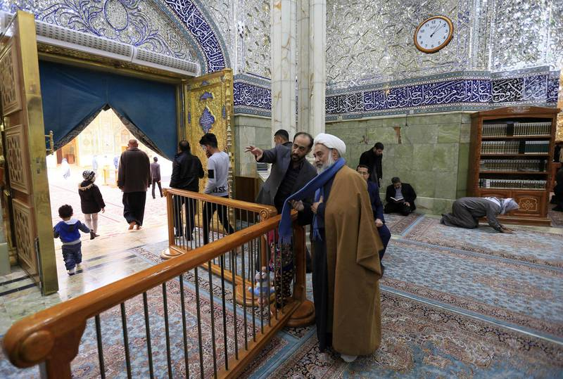 Shiite pilgrims visit a newly built area at the Imam Ali shrine in the holy city of Najaf on January 23, 2018. (Photo by Haidar HAMDANI / AFP)