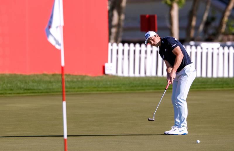Abu Dhabi, United Arab Emirates, January 16, 2020.  2020 Abu Dhabi HSBC Championship.Viktor Hovland on the 18th hole.Victor Besa / The NationalSection:  SPReporter:  Paul Radley and John McAuley
