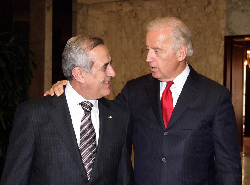 A handout picture released by the Lebanese photo agency Dalati and Nohra shows US Vice President Joe Biden (R) talking with Lebanese President Michel Sleiman at the presidential palace of Baabda east of Beirut on May 22, 2009. Biden, on the first such high level visit to Lebanon by a US official in nearly three decades, told the press after hiss meeting with Sleiman that Washington will evaluate its assistance to Lebanon based on policies of the new government to be formed after the June 7 parliamentary vote. AFP PHOTO/HO/DALATI & NOHRA   ==RESTRICTED TO EDITORIAL USE== (Photo by DALATI AND NOHRA / AFP)