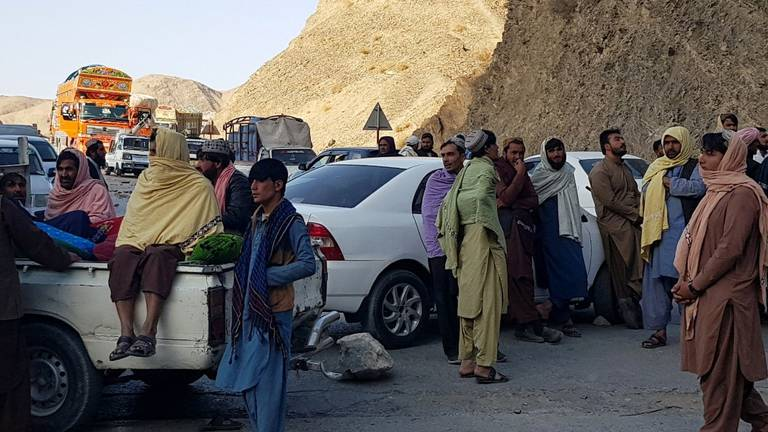An image that illustrates this article Traders block Pakistani motorway as border crossing closes again
