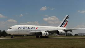 Air France told to halve CO2 output for €7bn state bailout