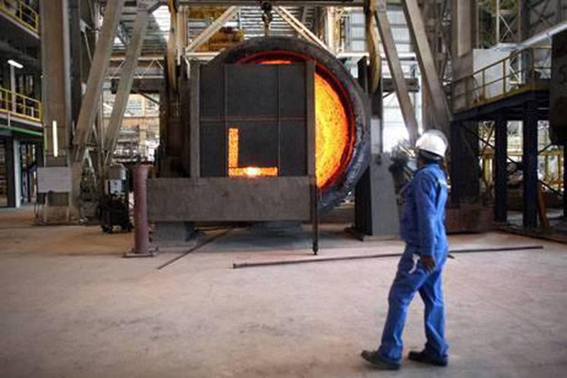 June 17, 2009 / Abu Dhabi / A steel worker at Emirates Steel Industries in Musaffah June 17, 2009. (Sammy Dallal / The National)     *** Local Caption ***  sd-061709-steel-05.jpgBZ07SE B1 GDP 01.jpg