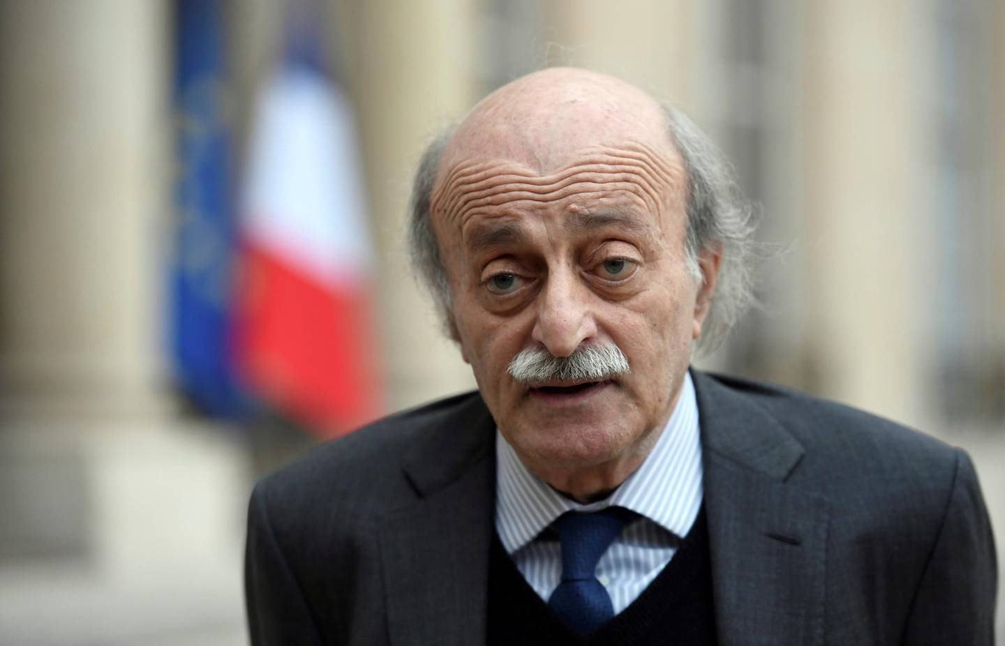 Lebanese Druze leader Walid Joumblatt makes a statement after his meeting with French President on February 21, 2017 at the Elysee Presidential Palace in Paris.  / AFP PHOTO / STEPHANE DE SAKUTIN