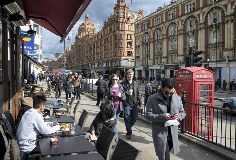 LONDON 26th March 2018. The scene of the attack on an Emirati opposite Harrods in Knightsbridge, London. Stephen Lock for the National   Words: Caroline Byrne