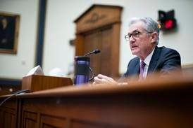 US Fed bans stock trading by top officials