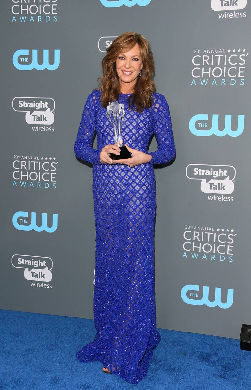 Allison Janney, winner of Best Supporting Actress for 'I, Tonya attends the 23rd annual Critics' Choice Awards Press Room at the Barker Hangar on January 11, 2018, in Santa Monica, California. (Photo by JEAN-BAPTISTE LACROIX / AFP)