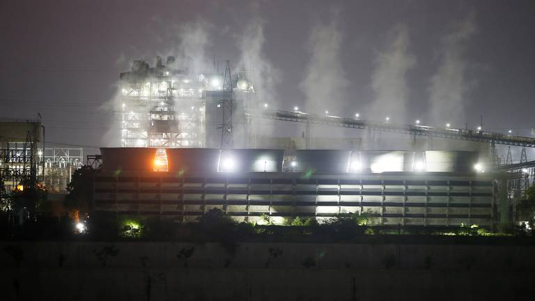 An image that illustrates this article UAE keen to help India add more clean power