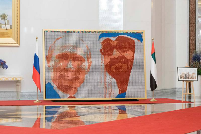 ABU DHABI, UNITED ARAB EMIRATES - October 15, 2019: A cubic artwork display showcasing HH Sheikh Mohamed bin Zayed Al Nahyan, Crown Prince of Abu Dhabi and Deputy Supreme Commander of the UAE Armed Forces and HE Vladimir Putin Vladimirovich, President of Russia, at the Presidential Airport.  ( Rashed Al Mansoori / Ministry of Presidential Affairs ) ---