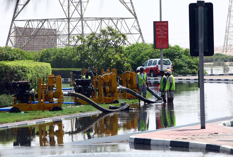 Dubai, United Arab Emirates- July,19, 2013: Leakage in Water pipes causes   heavy flood in th IBN Battuta and Greens area   in Dubai . ( Satish Kumar / The National ) For News *** Local Caption ***  SK100-Flood-012.jpg