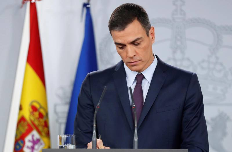 epa07371808 Spanish Prime Minister Pedro Sanchez delivers an institutional statement after an extraordinary cabinet meeting at the Moncloa Presidential Palace in Madrid, Spain, 15 February 2019. Sanchez announced early elections to be held on 28 April 2019, after the government did not find enough support in the Spain's Lower House of parliament to pass the 2019 budget.  EPA/CHEMA MOYA