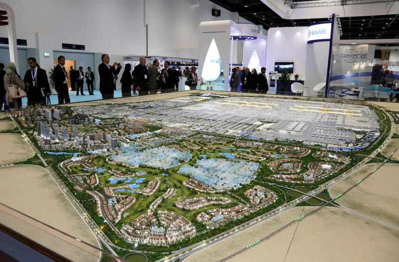Dubai, United Arab Emirates - May 9, 2016.  The Al Maktoum International Airport and its surrounding areas (model) is the main attraction at the 16th edition of Airport Show, in Dubai International Convention and Exhibition Centre.  ( Jeffrey E Biteng / The National )  Editor's Note;  ID 80639 *** Local Caption ***  JB090516-AShow13.jpg