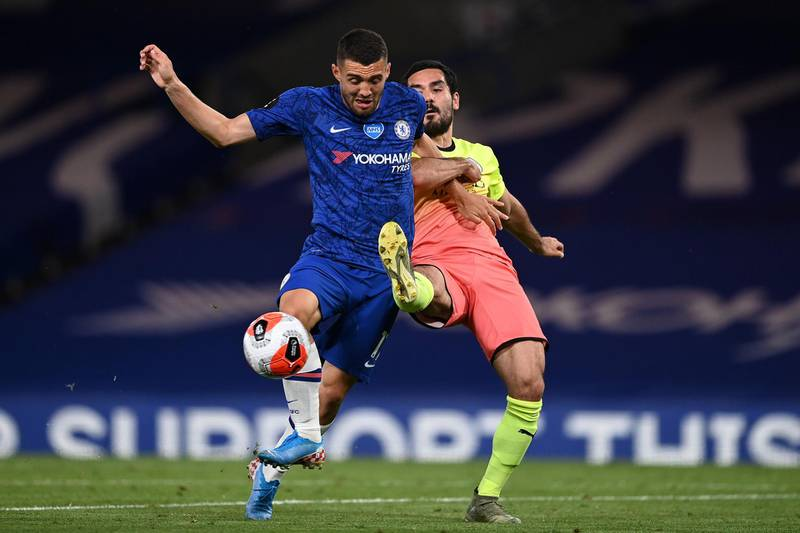 LONDON, ENGLAND - JUNE 25: Mateo Kovacic of Chelsea is challenged by Ilkay Gundogan of Manchester City during the Premier League match between Chelsea FC and Manchester City at Stamford Bridge on June 25, 2020 in London, United Kingdom. (Photo by Darren Walsh/Chelsea FC via Getty Images)