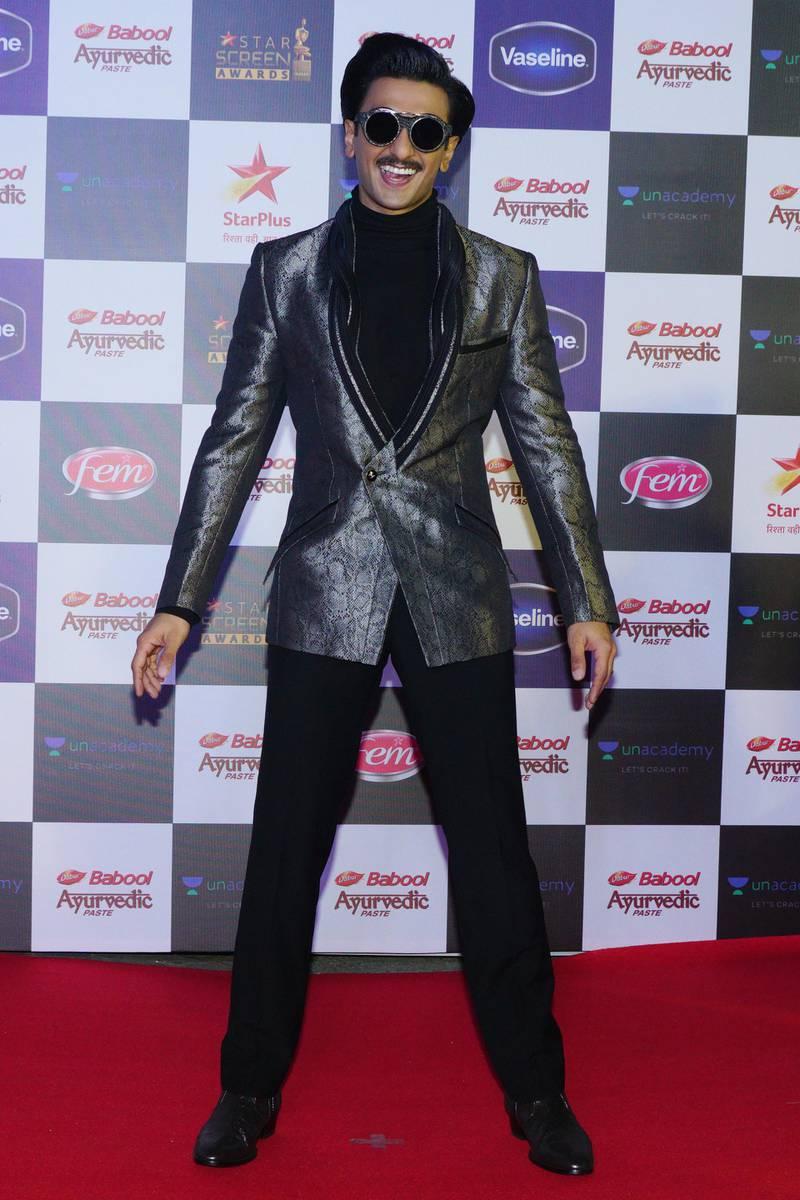 MUMBAI, INDIA - DECEMBER 08: Ranveer Singh attends the Star Screen Awards 2019 at Filmcity on December 08,2019 in Mumbai, India (Photo by Prodip Guha/Getty Images)