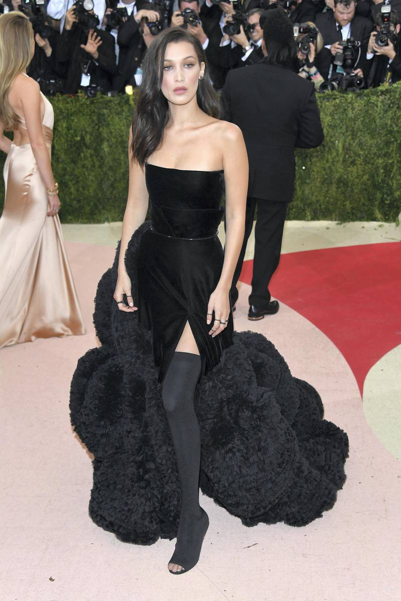 NEW YORK, NY - MAY 02:  Bella Hadid attends the 'Manus x Machina: Fashion In An Age Of Technology' Costume Institute Gala at the Metropolitan Museum on May 02, 2016 in New York, New York.  (Photo by Venturelli/FilmMagic)
