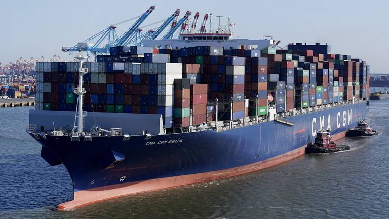 An image that illustrates this article Port congestion causing global trade to stagnate