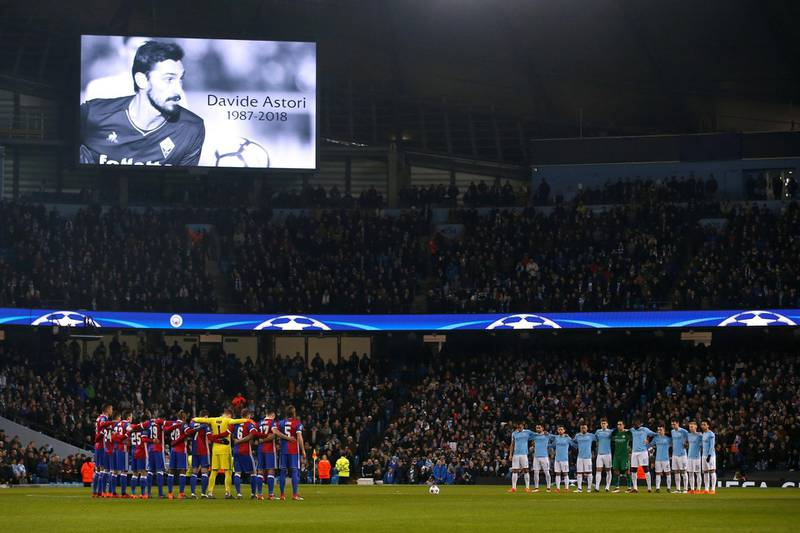Soccer Football - Champions League Round of 16 Second Leg - Manchester City vs FC Basel - Etihad Stadium, Manchester, Britain - March 7, 2018   Manchester City and FC Basel players during a minutes silence in memory of Davide Astori before the match     REUTERS/Andrew Yates