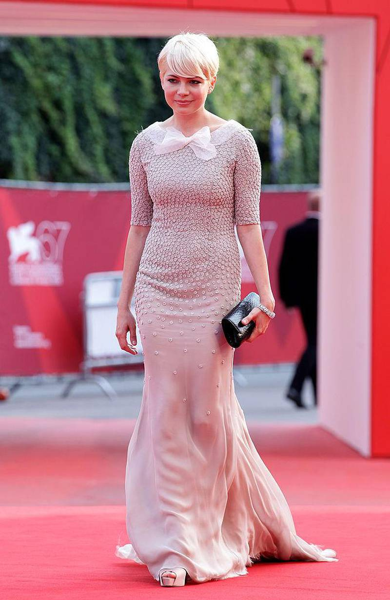 """VENICE, ITALY - SEPTEMBER 05:  Actress Michelle Williams attends the """"Meek's Cutoff"""" premiere during the 67th Venice Film Festival at the Sala Grande Palazzo Del Cinema on September 5, 2010 in Venice, Italy.  (Photo by Andreas Rentz/Getty Images)"""