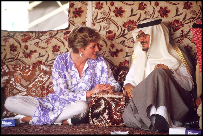 Princess Diana, wearing a Catherine Walker outfit, attending a picnic in the desert near Riyadh, Saudi Arabia, November 1986. (Photo by Jayne Fincher/Getty Images)