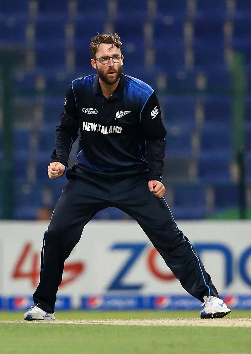 ABU DHABI, UNITED ARAB EMIRATES - DECEMBER 17:  Daniel Vettori of New Zealand bowls during the 4th One Day International match between Pakistan and New Zealand at Sheikh Zayed Stadium on December 17, 2014 in Abu Dhabi, United Arab Emirates.  (Photo by Francois Nel/Getty Images)