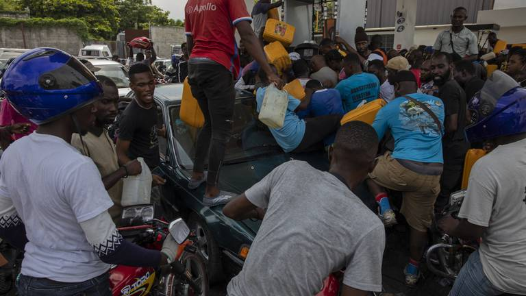 An image that illustrates this article Haiti gang leaders demand prime minister's resignation amid power cuts