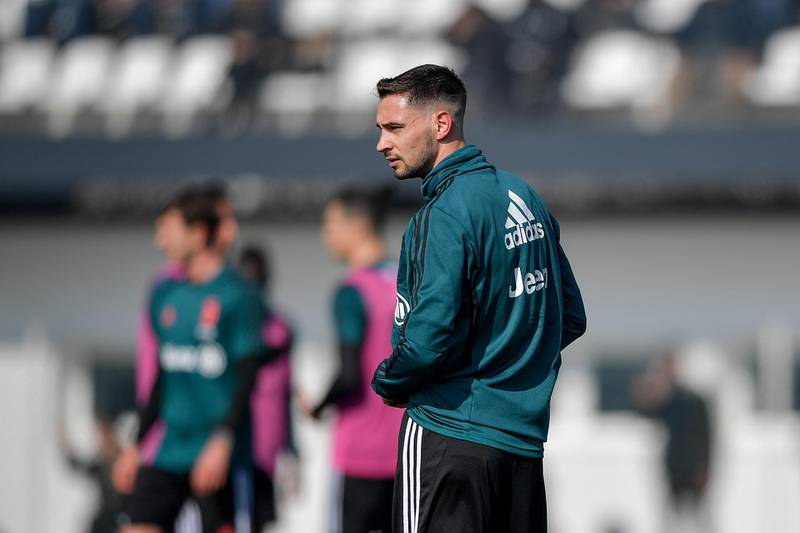 TURIN, ITALY - FEBRUARY 19: Juventus player Mattia De Sciglio looks on during a training session at JTC on February 19, 2020 in Turin, Italy. (Photo by Daniele Badolato - Juventus FC/Juventus FC via Getty Images)